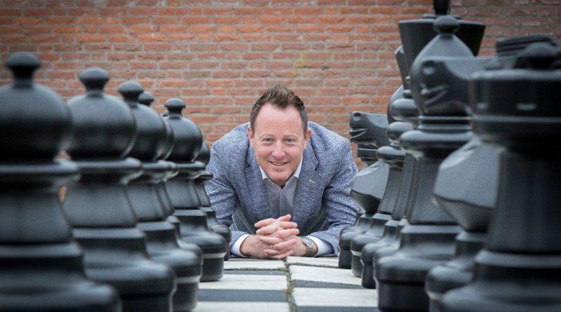 Hoogeveense basisscholen massaal aan het schaken!