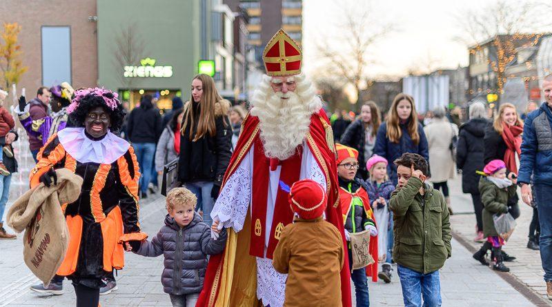 Hoogeveen verwelkomt Sint en Pieten