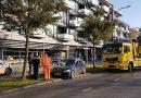 Auto rijdt tegen boom op  Willemskade in Hoogeveen