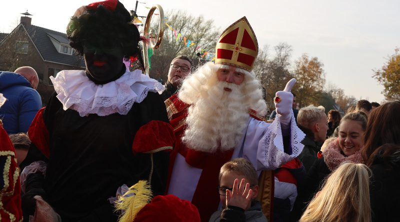 Veel kabaal gevraagd voor vertrek Sinterklaas uit Hoogeveen