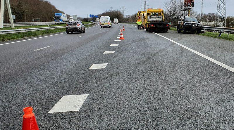 Auto van de weg op A28  Hoogeveen