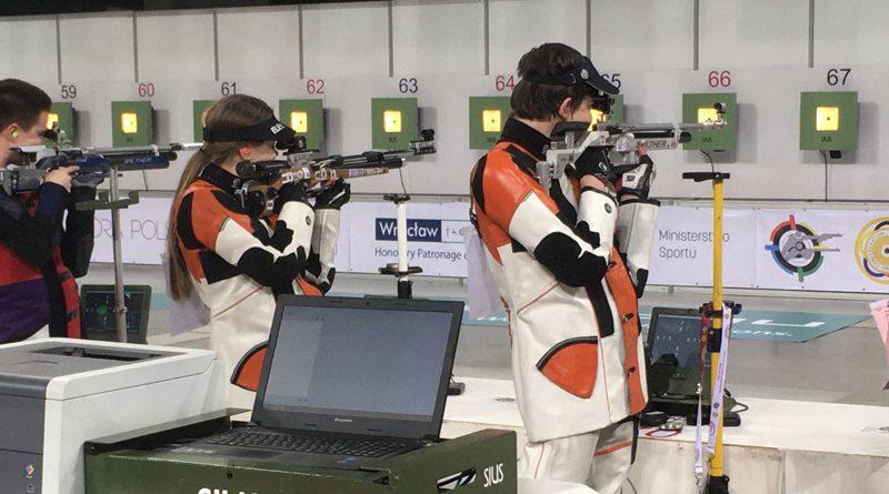 Isabel de Vries en Stefan van de Belt tevreden over EK luchtwapens
