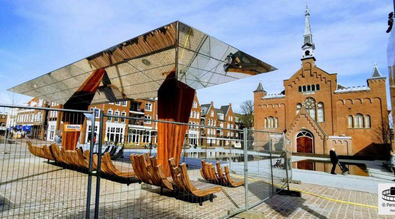 Kunstwerk 'De Spiegelkraan' op Hoofdstraat