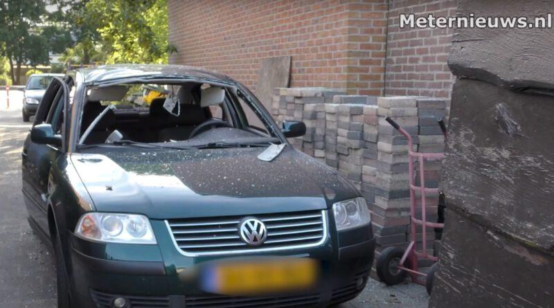 Explosie in auto Korhoenlaan