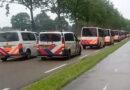 Grote politiemacht  pakken boeren op bij boeren actie in Wijster