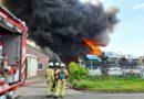 Eigenaar vermoed brandstichting bij zeer grote brand