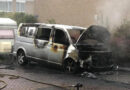 Vlammenzee verwoest busje in Hoogeveen