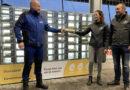 Uniek in Nederland: geen snacks maar verse eieren uit de muur bij de Wasbeer in Hoogeveen